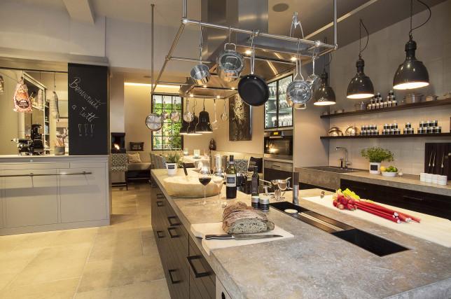 In der Cucina Cornelia Poletto bietet die Spitzenköchin Kochkurse und Küchenparties an.