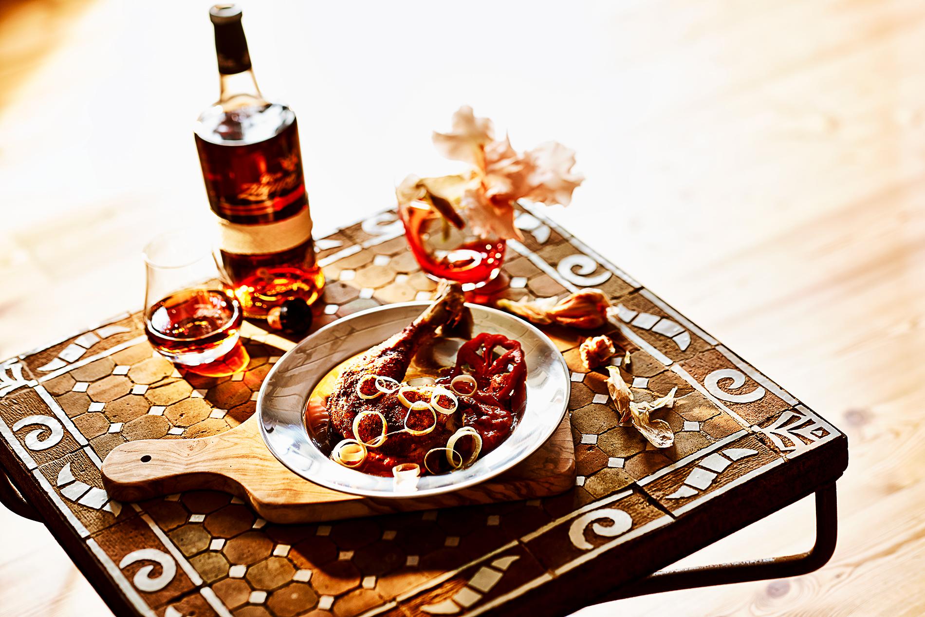 huhn mit schokolade erdnuss und rum cookionista. Black Bedroom Furniture Sets. Home Design Ideas