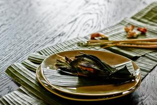 Lachs im Bananenblatt mit Spargel