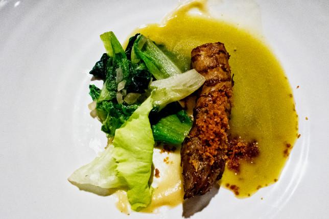 Topinambur, Kopfsalat, frischer Verjus im Restaurant Sosein