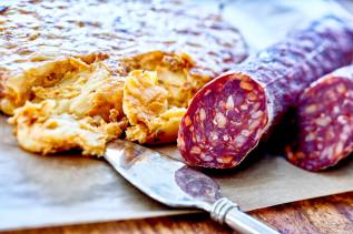 Tortilla mit Paprika und Chorizzo