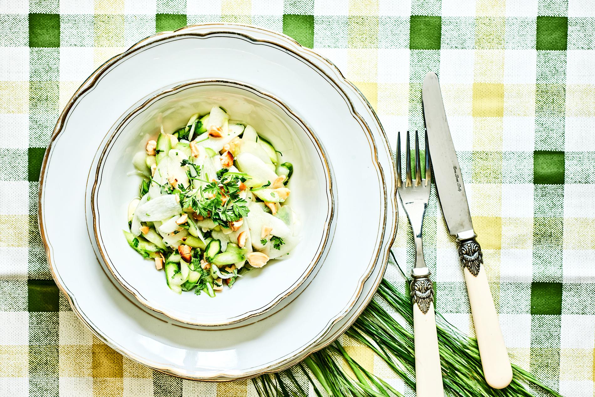 Salat vom gebeizten Spargel