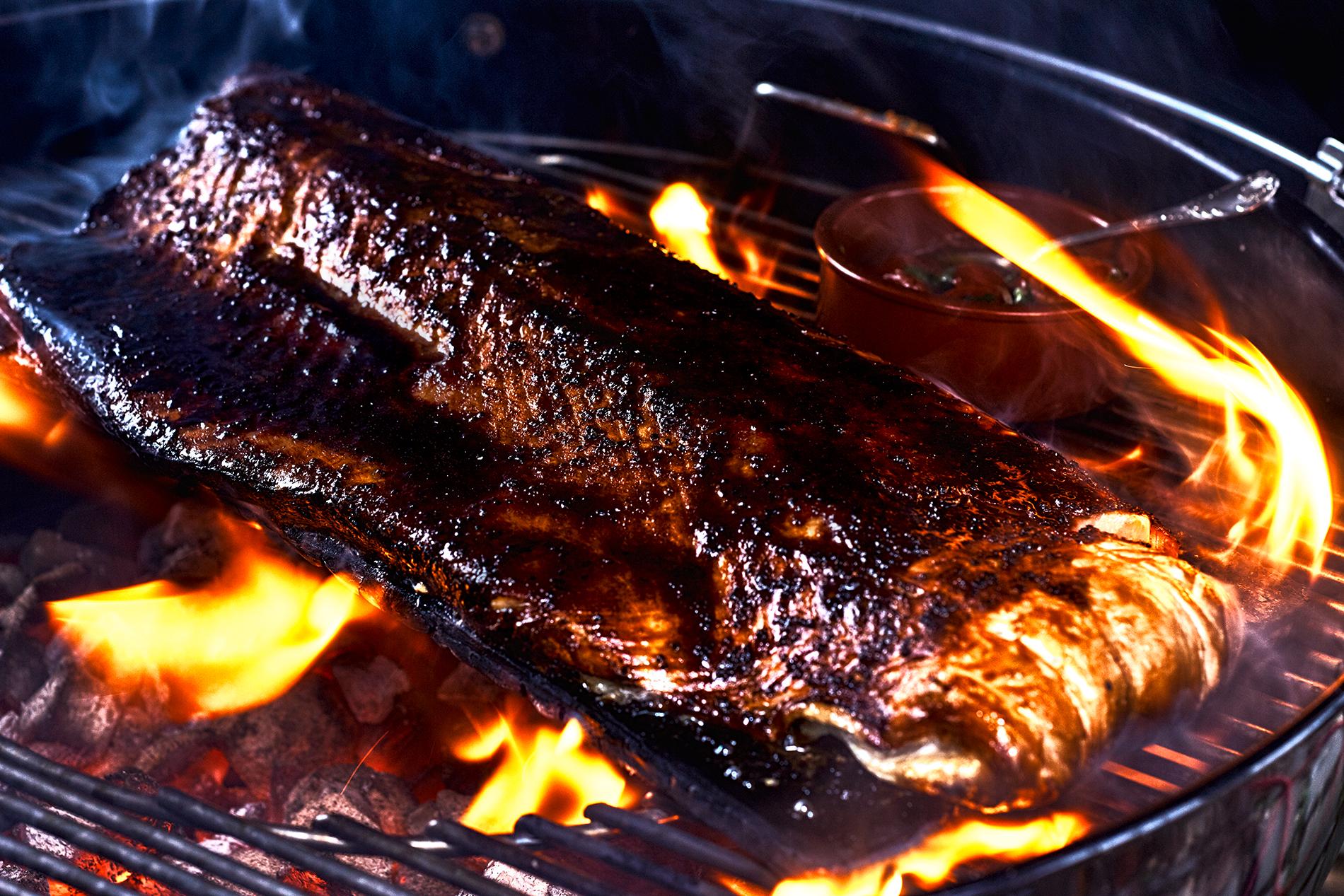 Lachs auf Zedernholz gegrillt - Grill-Kochkurs