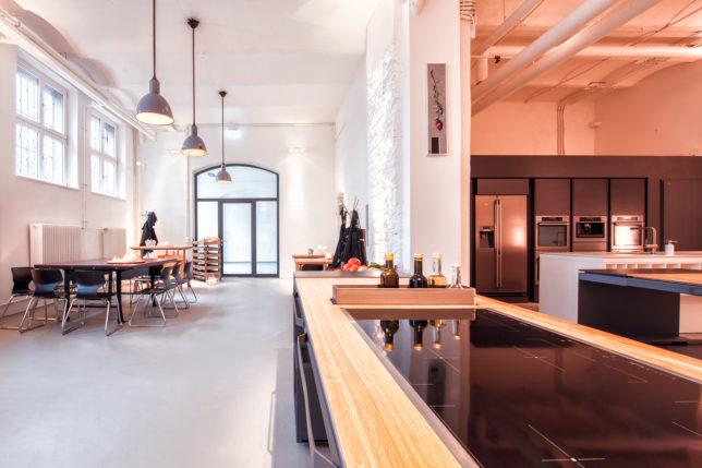 cookionista Meetingraum - Blick auf die Tische