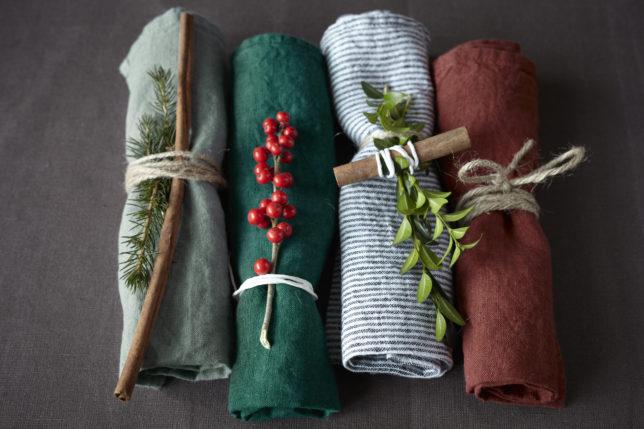 leinen deko f r den weihnachtstisch cookionista. Black Bedroom Furniture Sets. Home Design Ideas