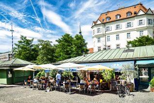 Buden auf dem Münchner Viktualienmarkt